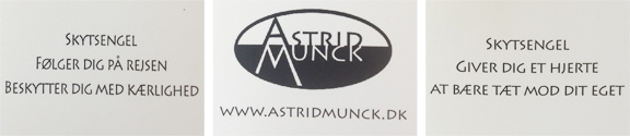 Astrid Munck visitkort med tekster til lommeengel og skytsengel. Fotograf: Susanne Randers