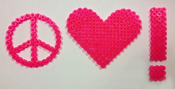 Peace, love and understanding perleplader. Fotograf: Susanne Randers