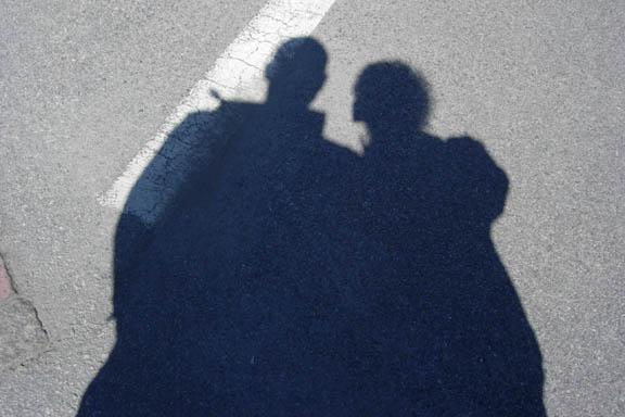 Skyggen af min kæreste og mig. Fotograf: Susanne Randers