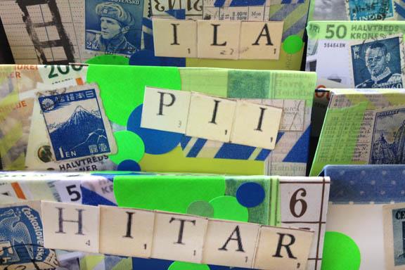 "Bordkort til konfirmation - til ""ILA"", ""PII"" og ""HITAR"" alias Willliam, Philip og Christian. Fotograf: Susanne Randers"