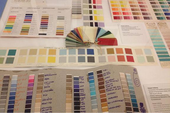 Farvekort fra hele verden indsamlet og analyseret af Kasper Heiberg. Fotograf: Susanne Randers