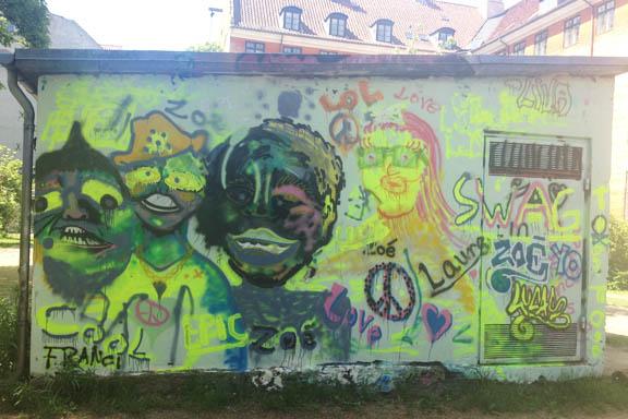 Peace, love and understanding. Jeg elsker streetart. Fotograf: Susanne Randers