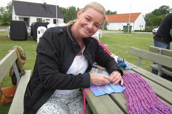 mitkrearum.dk kreativitet 99 yarnbombing en lap til læsø ophængning Byrum Michelle Hviid
