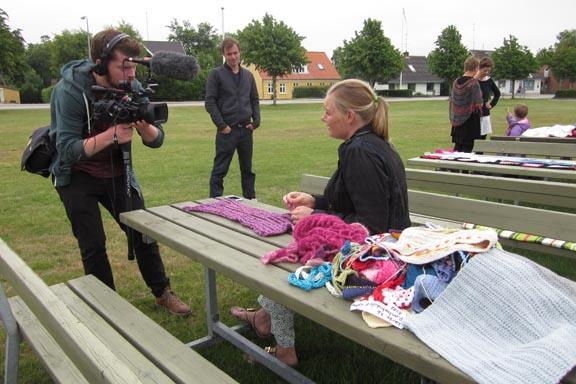 mitkrearum.dk kreativitet 99 yarnbombing en lap til læsø ophængning Byrum tv tv tv Michelle Hviid
