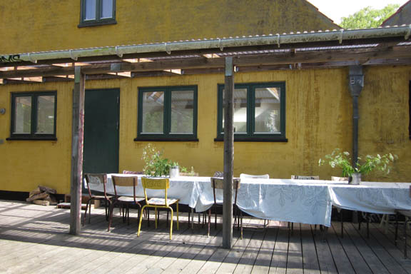 mitkrearum.dk kreativitet 106 kunsthøjskolen i holbæk mødebord ved serigrafilokalet