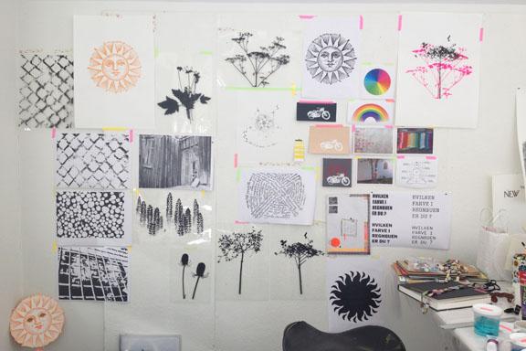 mitkrearum.dk kreativitet 107 kunsthøjskolen i holbæk moodboard på væggen in progress susanne randers