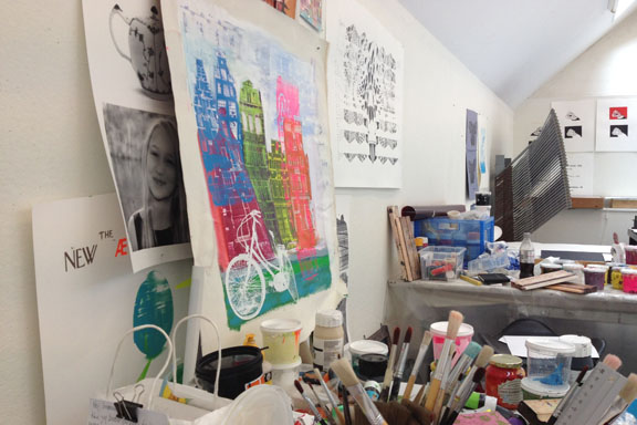 mitkrearum.dk kreativitet 107 kunsthøjskolen i holbæk view fra mit arbejdsbord i serigrafiværkstedet