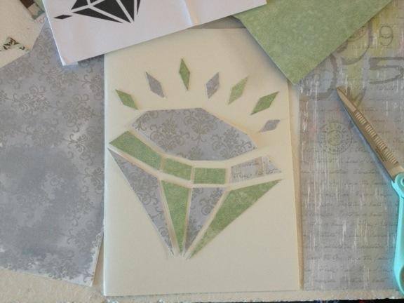 Lykønskningskort til diamantbryllup. Work in progress. Diamant af scrappapir. Fotograf: Susanne Randers