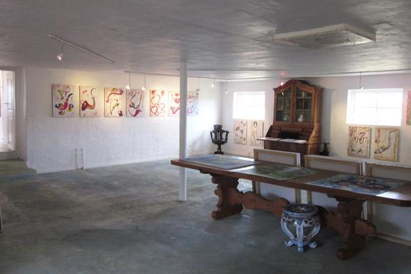 mitkrearum.dk kreativitet 112 galleri anne julie piber malerier og livskunst på læsø 11 hvide tavler m pibebilleder