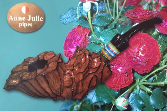 Et foto af et foto af en af Anne Julies smukke piber.
