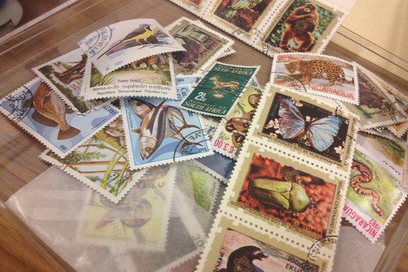 Inspirationsbilleder fra SMASHBOOK workshoppen på Dankbar. Flotte gamle frimærker. Fotograf: Susanne Randers