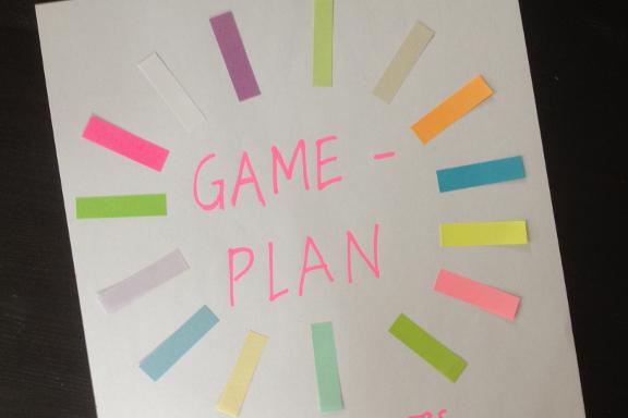 Forside til mappen med mine ugentlige gameplaner. Fotograf: Susanne Randers