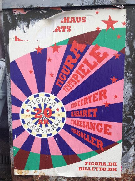 Skydeskive-inspireret plakat på elkasse på Frederiksberg. Fotograf: Susanne Randers