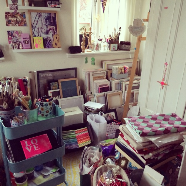 365 mood boards in 2014. Mood board #14: A creative mess in my studio. Instagram filter Valencia. Photographer: Susanne Randers