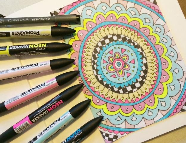 365 moodboards i 2014. Moodboard #9: Mandala doodle med turkis, pink og gul. Fotograf: Susanne Randers