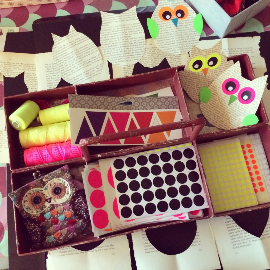 365 mood boards in 2014. Mood board #51: Preparing the owl workshop. Instagram filter Valencia. Photographer: Susanne Randers