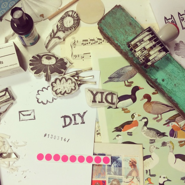 365 mood boards in 2014. Mood board #72: DIY stamp for recycling paper goodie bags. Smashup. Instagram filter Valencia. Photographer: Susanne Randers