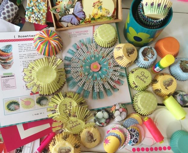 365 moodboards i 2014. Moodboard #107: Farverige påske værtindegaver af muffinsforme. Smashup. Fotograf: Susanne Randers