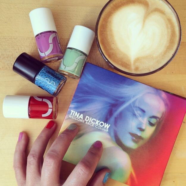 365 mood boards in 2014. Mood board #123: Welcome Back Colour. Matching colorful nailpolish. Instagram filter Valencia. Photographer: Susanne Randers