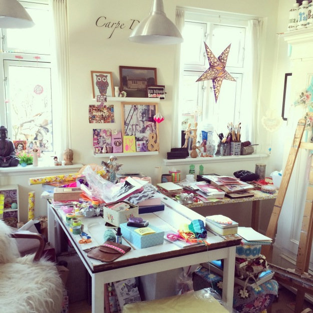 365 mood boards in 2014. Mood board #124: Creative mess in my studio again. Instagram filter Valencia. Photographer: Susanne Randers