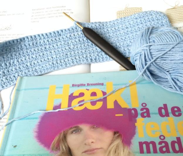 365 moodboards in 2014. Moodboard #129: Mission lær at hækle alle masker. Fastmasker, første forsøg. Fotograf: Susanne Randers